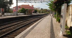 09 Oeiras S.Amaro-stad jedzie sie do centrum Lizbony za 4,2 Eur-powrotny